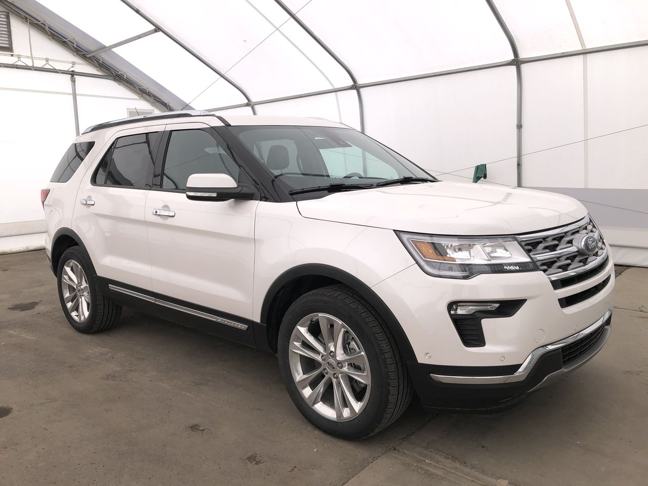 2019 Ford Explorer Limited (0N6417) Main Image