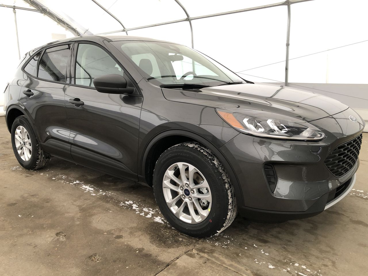 2020 Ford Escape S (0N6604) Main Image