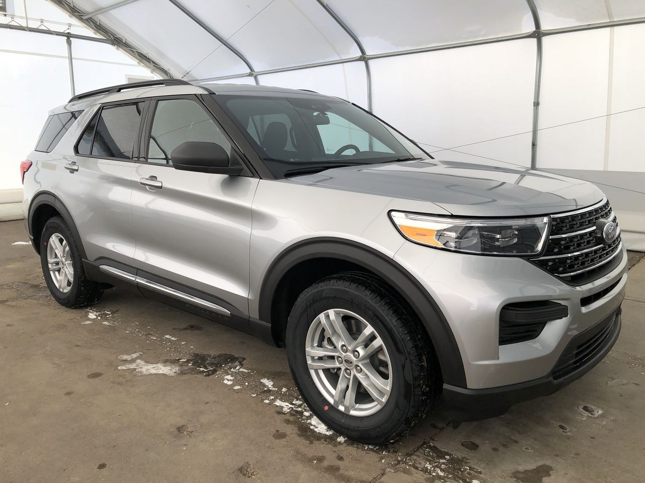 2020 Ford Explorer XLT (0N6621) Main Image